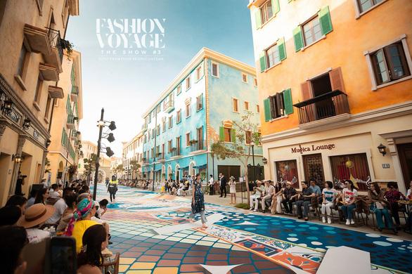 Vẽ Địa Trung Hải qua những thiết kế thời trang - Ảnh 2.