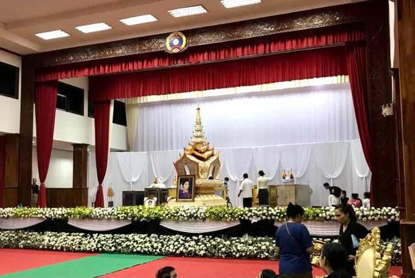Vụ lật tàu ở Lào: Nguyên tổng bí thư Sayasone an toàn, vợ không may qua đời - Ảnh 4.