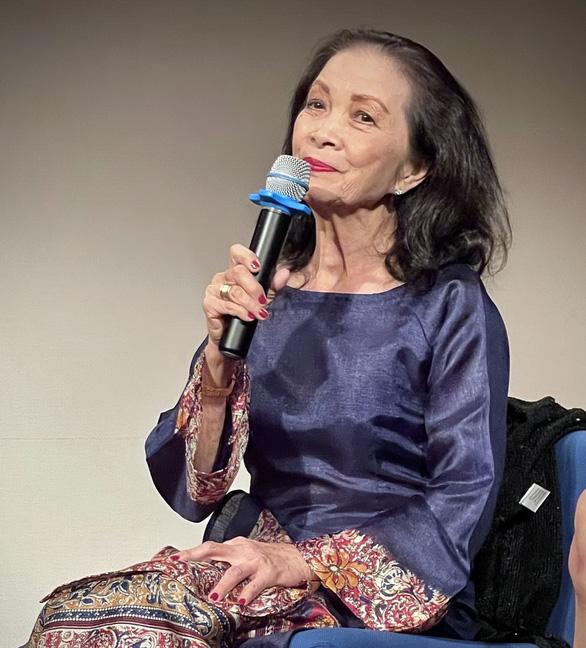 Tác giả Vòng tay học trò đình đám một thời - nhà văn Nguyễn Thị Hoàng: Viết là một ước nguyện - Ảnh 1.