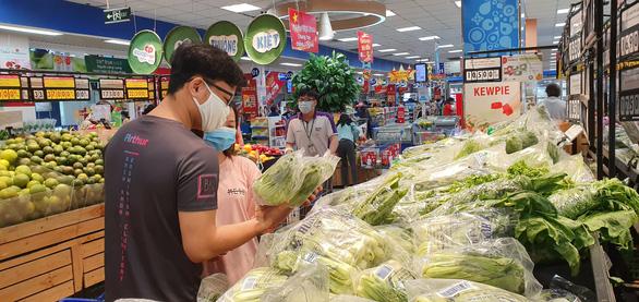 Hệ thống siêu thị Co.opmart rầm rộ giảm giá các mặt hàng giải nhiệt - Ảnh 2.