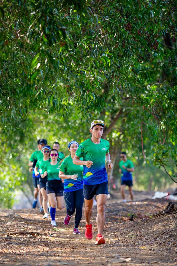 Hơn 3.000 người chinh phục cung đường marathon núi Bà Đen - Ảnh 4.