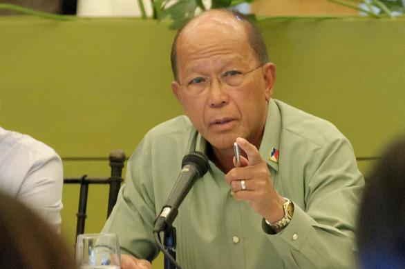Vụ đá Ba Đầu: Philippines khẩu chiến sứ quán Trung Quốc, nói gửi công hàm phản đối mỗi ngày - Ảnh 1.