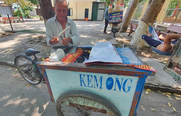Nhớ lắm, tiếng rao thời nghèo khó - Kỳ 2: Leng keng cà rem dạo - Ảnh 2.