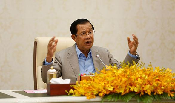 Thủ tướng Campuchia chỉ đạo điều trị bệnh nhân COVID-19 nhẹ tại nhà - Ảnh 1.