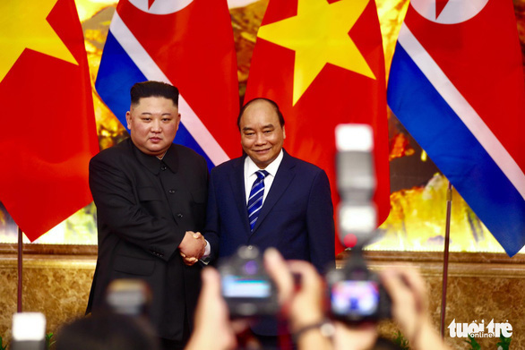 Chủ tịch Kim Jong Un chúc mừng Chủ tịch Nguyễn Xuân Phúc - Ảnh 1.