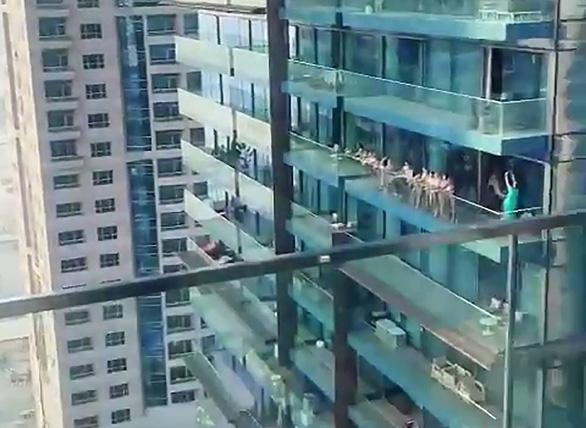 Nga: Không có cô gái Nga nào trong 40 người mẫu khỏa thân bị bắt ở Dubai - Ảnh 4.