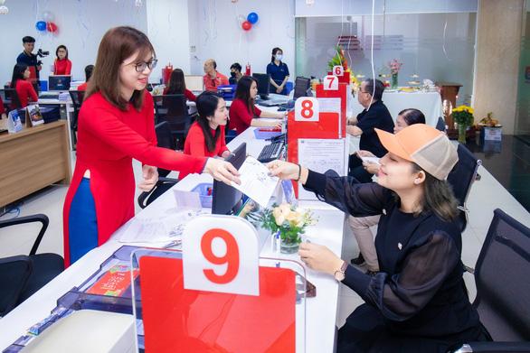 Khai trương trụ sở mới Ngân hàng Liên doanh Việt  Nga chi nhánh TP.HCM - Ảnh 4.