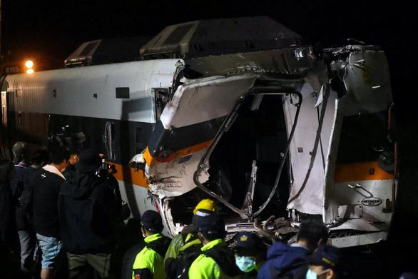 Lộ ảnh quản lý công trường gây tai nạn đường sắt thảm khốc vô cảm đứng nhìn nạn nhân - Ảnh 3.