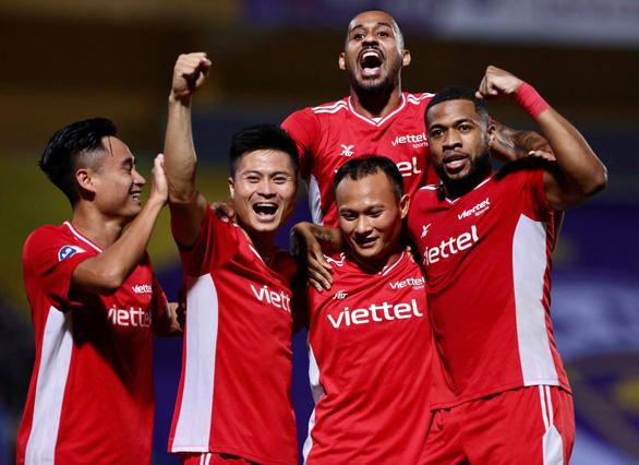 Trọng Hoàng tỏa sáng giúp Viettel đánh bại CLB Hà Nội và vào top 3 - Ảnh 1.