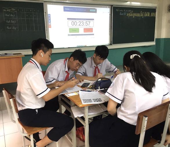 TP.HCM khảo sát trực tuyến ngoại ngữ học sinh lớp 9, 11 - Ảnh 1.
