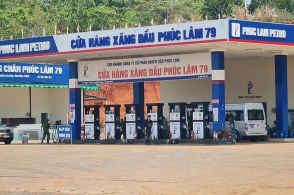 Phong tỏa, khám xét một cây xăng trên quốc lộ 14 liên quan vụ 2,7 triệu lít xăng giả - Ảnh 1.