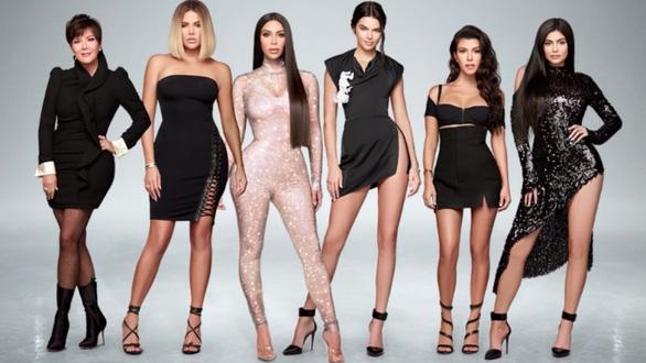 Kim Kardashian West thành tỉ phú USD: Ngôi sao tai tiếng làm giàu nhờ đâu? - Ảnh 4.