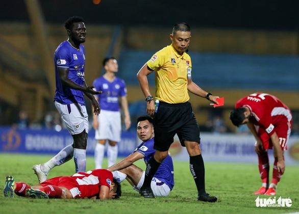 HLV Hà Nội FC: Thẻ đỏ dành cho Đức Huy quá nặng - Ảnh 1.