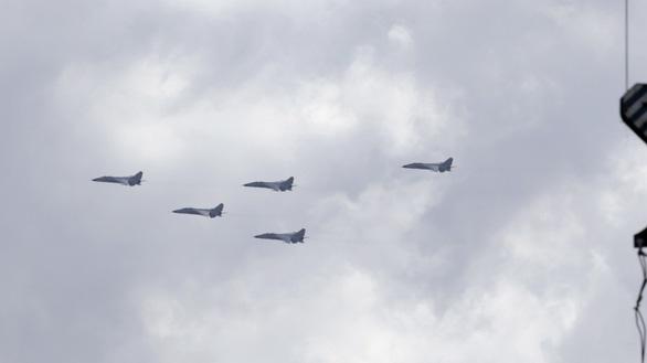 Đài Loan khẳng định có 15 máy bay Trung Quốc xâm nhập, Mỹ điều tàu qua eo biển Đài Loan - Ảnh 1.