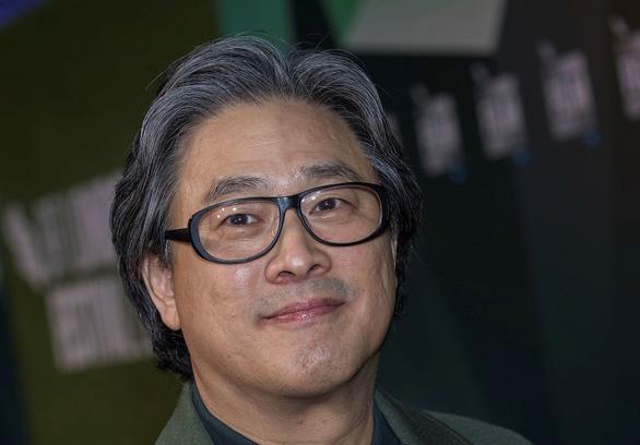 Đạo diễn nổi tiếng Park Chan Wook làm phim từ sách của nhà văn gốc Việt - Ảnh 1.