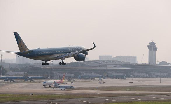 Đề xuất tăng giá trần, áp giá sàn vé máy bay: Vô lý và vi phạm luật cạnh tranh - Ảnh 1.
