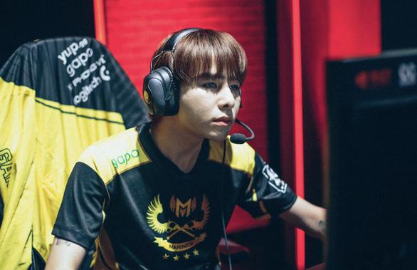 Game thủ bị chỉ trích khi mong Việt Nam dịch trở lại, đại hiệp Trấn Thành trong game quá ảo - Ảnh 3.