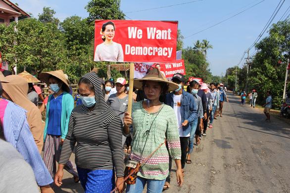 1.800 người Myanmar trốn sang Ấn Độ, có ít nhất 6 nghị sĩ - Ảnh 1.