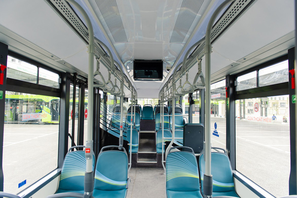 Xe buýt điện thông minh đầu tiên của Việt Nam chính thức lăn bánh - Ảnh 6.
