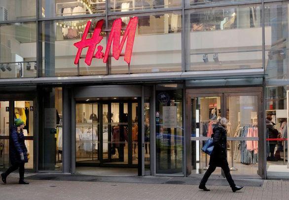 Việt Nam lên tiếng về vụ tẩy chay H&M liên quan 'đường lưỡi bò' ở Biển Đông - Ảnh 1.