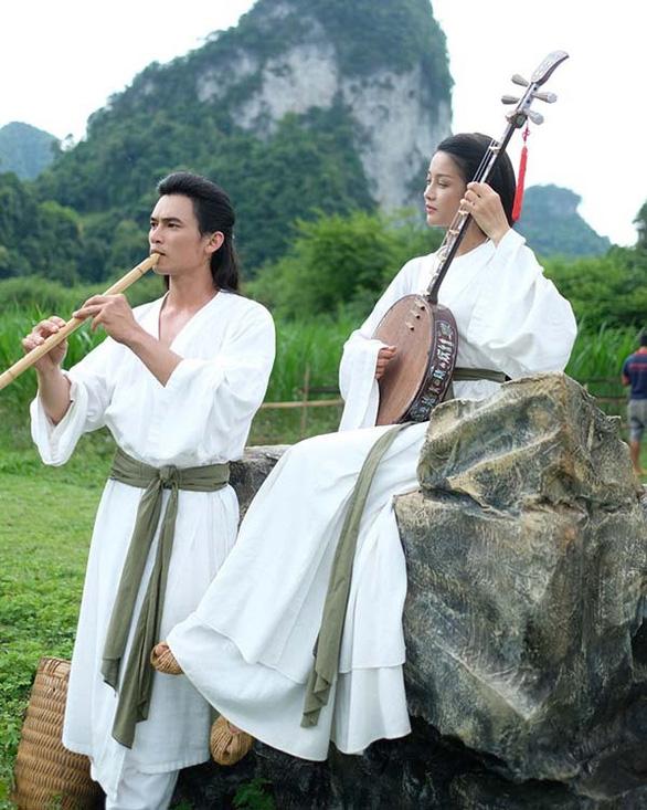 Đừng khóc Nguyễn Du bằng một bộ phim dở tệ - Ảnh 1.