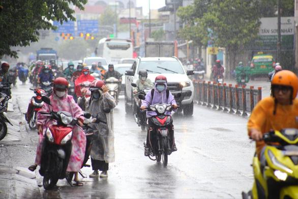 Hôm nay cả nước dự báo mưa dông - Ảnh 1.