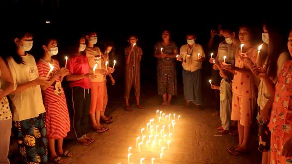 Xung đột tiếp diễn tại Myanmar, thêm 11 người biểu tình thiệt mạng - Ảnh 1.