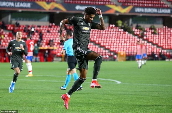 Bruno Fernandes ghi bàn phút 90+1 giúp Manchester United rộng cửa vào bán kết - Ảnh 2.