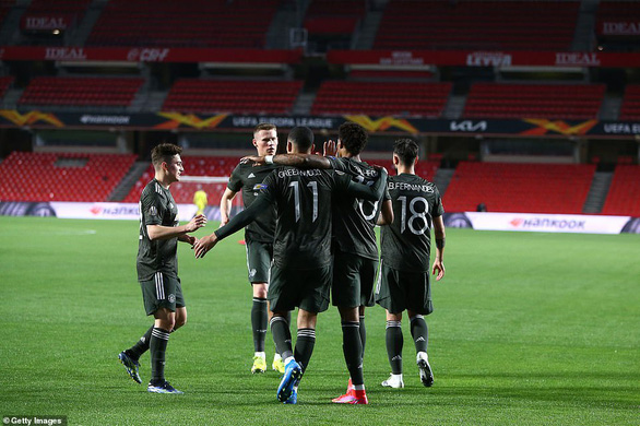 Bruno Fernandes ghi bàn phút 90+1 giúp Manchester United rộng cửa vào bán kết - Ảnh 3.
