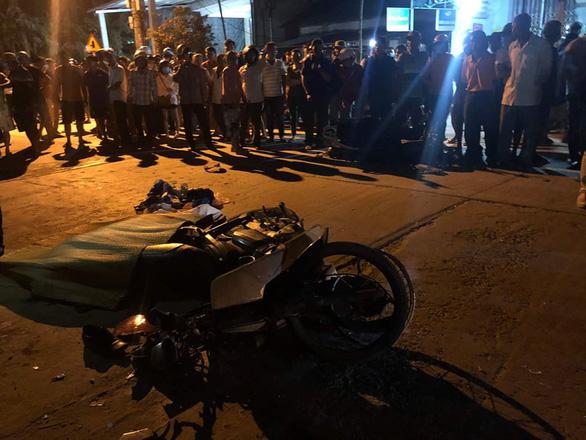 Ôtô tông liên hoàn xe máy làm 2 người chết: Tài xế đã uống rượu bia - Ảnh 1.