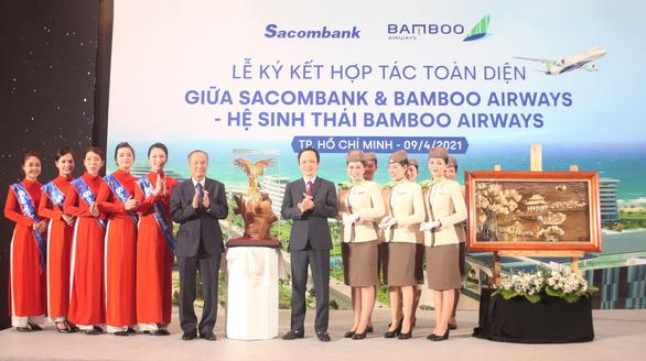 Chủ tịch Sacombank tại lễ ký hợp tác toàn diện với Bamboo Airways: 'Hai thương hiệu, triệu giá trị' - Ảnh 5.