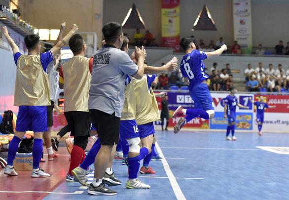 Futsal: Đương kim vô địch Thái Sơn Nam thất bại ngay ngày khai mạc - Ảnh 2.