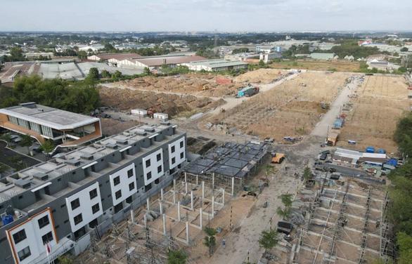Giá nhà đất tăng phi mã, giới đầu tư đãi cát tìm vàng - Ảnh 2.