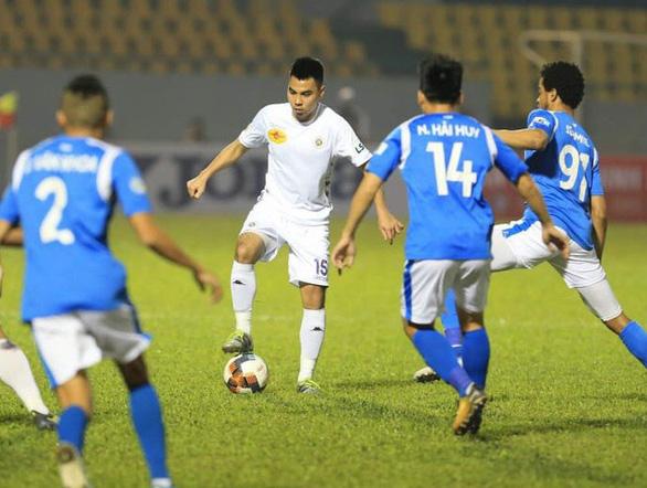 CLB Than Quảng Ninh phải giải trình việc nợ lương cầu thủ, làm xấu hình ảnh V-League - Ảnh 1.