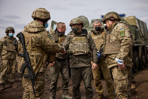 Mỹ nói binh sĩ Nga 'đông chưa từng thấy' ở biên giới với Ukraine, Đức yêu cầu rút quân - Ảnh 1.