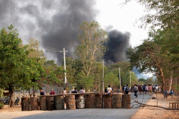 Quân đội Myanmar khẳng định biểu tình đang suy yếu - Ảnh 1.