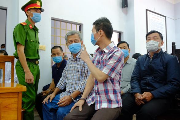 Xét xử đường dây xăng giả của đại gia Trịnh Sướng: chia 39 bị cáo thành 4 nhóm - Ảnh 1.