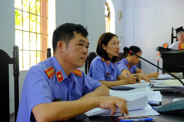 Viện kiểm sát khẳng định 137 triệu lít xăng Trịnh Sướng pha là hàng giả - Ảnh 1.