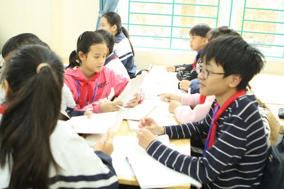 Học sinh Hà Nam dừng đến trường hết ngày 9-5, chuyển sang học trực tuyến - Ảnh 1.