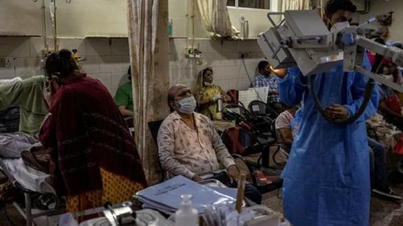 Ấn Độ lập kỷ lục hơn 400.000 ca COVID-19 trong ngày, vượt mốc 19 triệu ca - Ảnh 1.