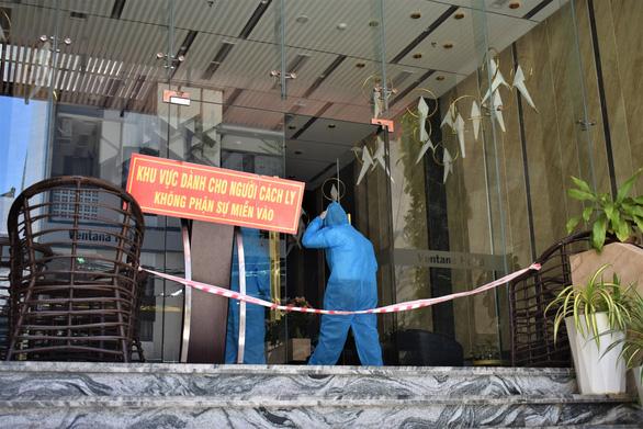 Sở Y tế Khánh Hòa chủ trì kiểm tra thực tế vụ khách tố có giòi trong thức ăn - Ảnh 1.