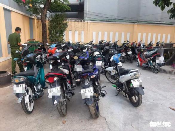 Đà Nẵng: Truy quét 'quái xế', tạm giữ gần 40 xe trên đèo Hải Vân - Ảnh 6.