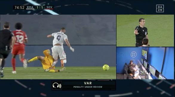 Hòa Sevilla 2-2, Real Madrid mất quyền tự quyết trong cuộc đua vô địch - Ảnh 2.