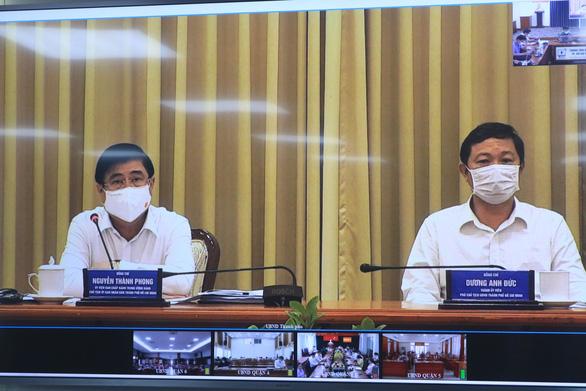 Chủ tịch UBND TP.HCM: Chưa đến mức cấm hàng quán hoạt động, khuyến khích mua mang về - Ảnh 1.