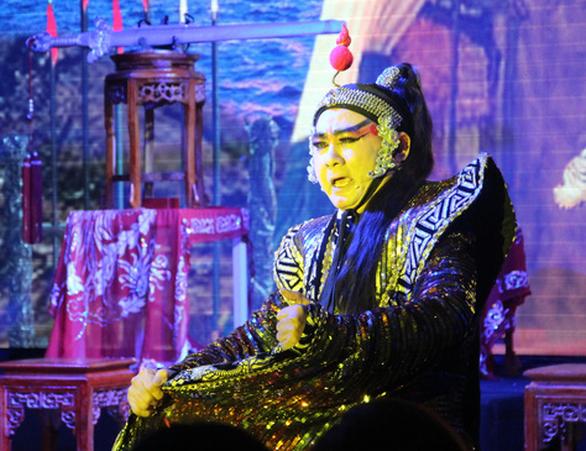 Gia tộc có cả 100 năm theo hát nuôi ước mơ dựng lại bảng hiệu Minh Tơ - Ảnh 2.