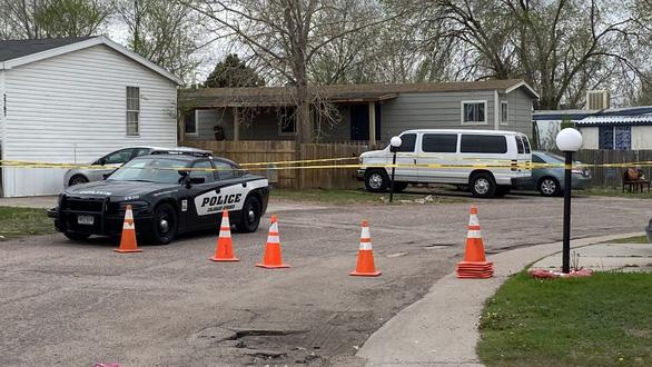 1 người đàn ông bắn chết 6 người rồi tự sát tại tiệc sinh nhật mình ở Colorado - Ảnh 1.