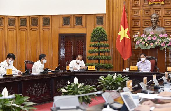 Thủ tướng: Phải xây dựng, hoàn thiện thêm các bệnh viện dã chiến - Ảnh 3.