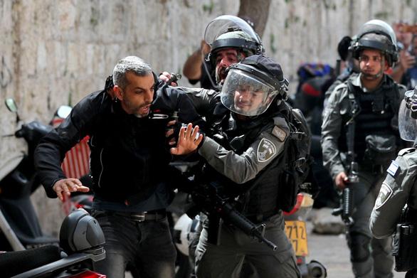 Người Israel và Palestine đụng độ không dừng - Ảnh 1.