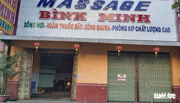 Massage bị dừng, nhiều nhân viên vẫn bán dâm tại chỗ - Ảnh 1.