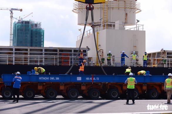 Hai đoàn tàu của metro số 1 đã cập cảng Khánh Hội - Ảnh 5.
